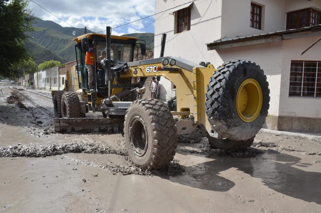 Maquinaria de Vialidad continúa trabajando en la zona afectada